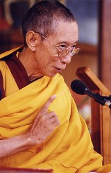 Geshe Kelsang Gyatso teaching